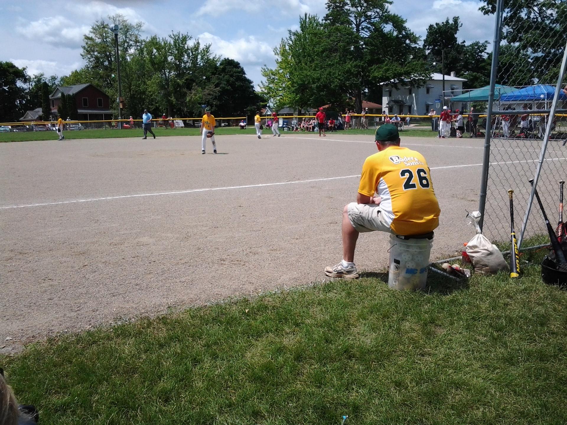 Baseball teams playing for the championship.